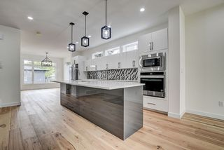 Photo 10: 8503 84 Avenue in Edmonton: Zone 18 House for sale : MLS®# E4231180
