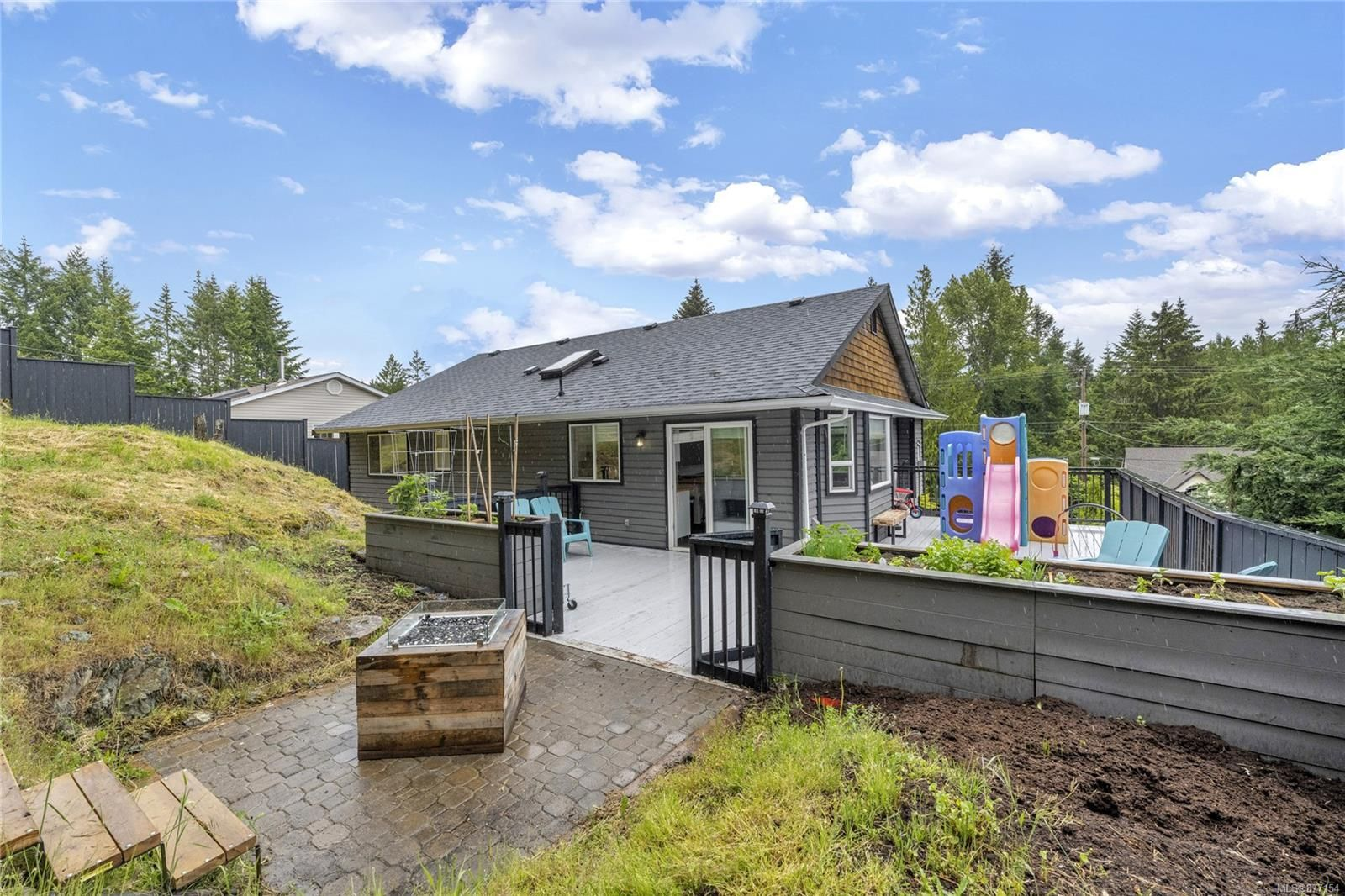 Photo 13: Photos: 2376 Terrace Rd in : ML Shawnigan House for sale (Malahat & Area)  : MLS®# 877154