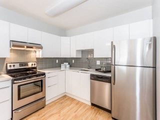 """Photo 4: 3209 33 CHESTERFIELD Place in North Vancouver: Lower Lonsdale Condo for sale in """"HARBOURVIEW PARK"""" : MLS®# R2008580"""