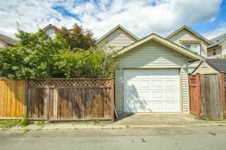 """Photo 33: 18468 66A Avenue in Surrey: Cloverdale BC House for sale in """"HEARTLAND"""" (Cloverdale)  : MLS®# R2476706"""