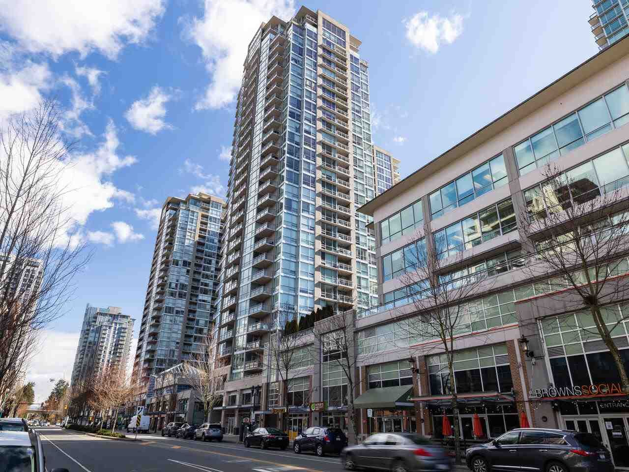 """Main Photo: 2301 2968 GLEN Drive in Coquitlam: North Coquitlam Condo for sale in """"Grand central II"""" : MLS®# R2552070"""