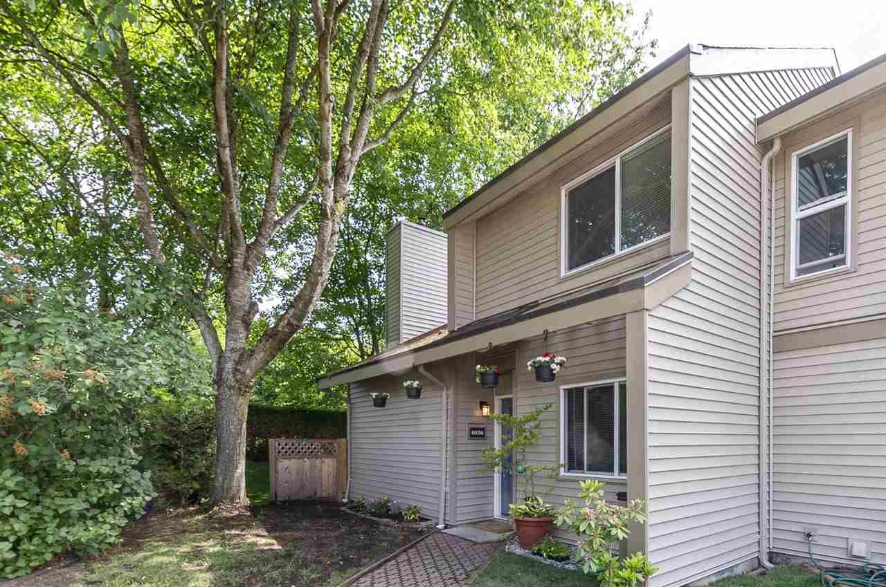 """Main Photo: 6036 W GREENSIDE Drive in Surrey: Cloverdale BC Townhouse for sale in """"Greenside Estates"""" (Cloverdale)  : MLS®# R2278034"""
