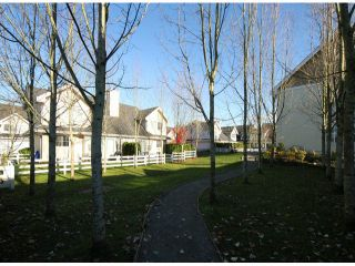 Photo 4: # 74 17097 64TH AV in Surrey: Cloverdale BC Townhouse for sale (Cloverdale)  : MLS®# F1326003