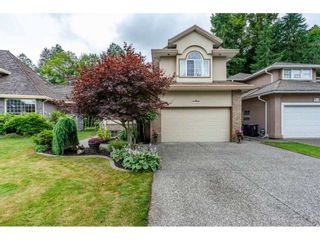 """Photo 2: 20560 89B Avenue in Langley: Walnut Grove House for sale in """"Forest Creek"""" : MLS®# R2386317"""