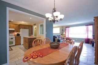 Photo 4: 2461 ALADDIN Crescent in Abbotsford: Abbotsford East House for sale : MLS®# R2003687