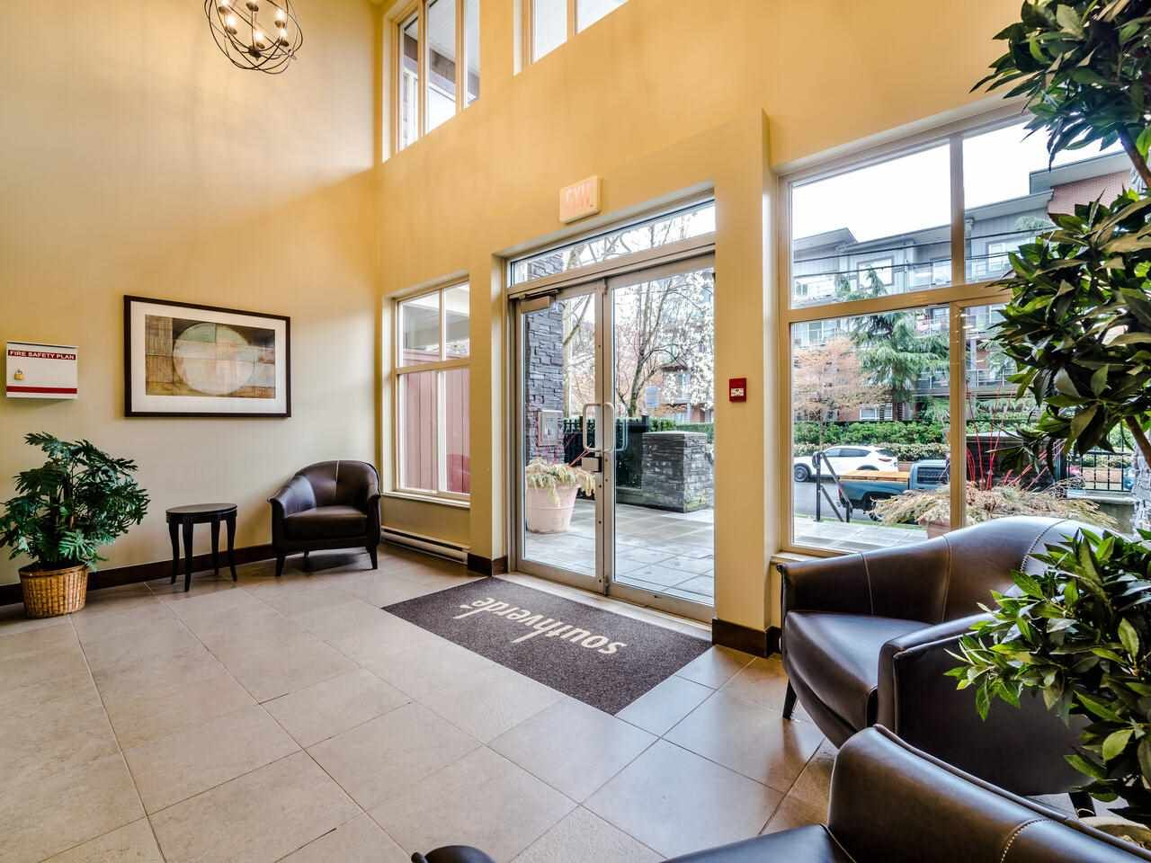 "Main Photo: 202 2477 KELLY Avenue in Port Coquitlam: Central Pt Coquitlam Condo for sale in ""SOUTH VERDE"" : MLS®# R2562442"