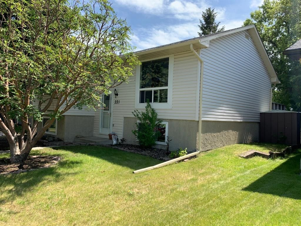 Main Photo: 221 MARQUIS Place SE: Airdrie Detached for sale : MLS®# A1009487