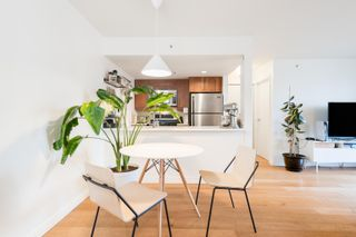 Photo 12: 1008 1060 ALBERNI Street in Vancouver: West End VW Condo for sale (Vancouver West)  : MLS®# R2621443