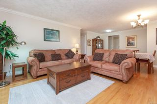 Photo 7: 4 106 Aldersmith Pl in : VR Glentana Row/Townhouse for sale (View Royal)  : MLS®# 871016