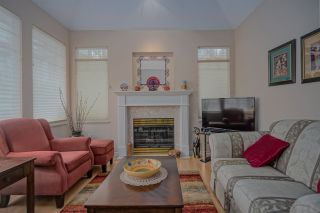 """Photo 3: 50 7500 CUMBERLAND Street in Burnaby: The Crest Townhouse for sale in """"WILDFLOWER"""" (Burnaby East)  : MLS®# R2442883"""