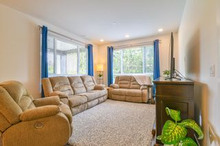 """Photo 2: 307 33540 MAYFAIR Avenue in Abbotsford: Central Abbotsford Condo for sale in """"RESIDENCES AT GATEWAY"""" : MLS®# R2527416"""