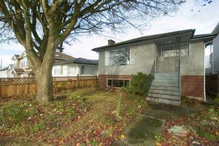 Photo 2: 3555 28TH Ave in Vancouver East: Home for sale : MLS®# V797964