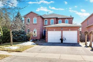 Photo 1: 37 Lofthouse Dr in Whitby: Rolling Acres Freehold for sale : MLS®# E4053705