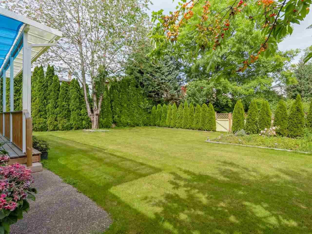 """Photo 19: Photos: 8238 149 Street in Surrey: Bear Creek Green Timbers House for sale in """"SHAUGHNESSY"""" : MLS®# R2078750"""