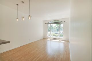 """Photo 7: 102 3463 CROWLEY Drive in Vancouver: Collingwood VE Condo for sale in """"Macgregor Court"""" (Vancouver East)  : MLS®# R2498369"""