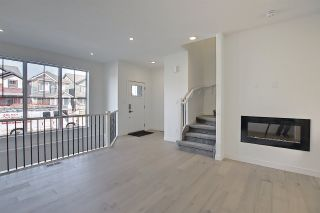 Photo 2: 2935 COUGHLAN Green in Edmonton: Zone 55 House for sale : MLS®# E4242482