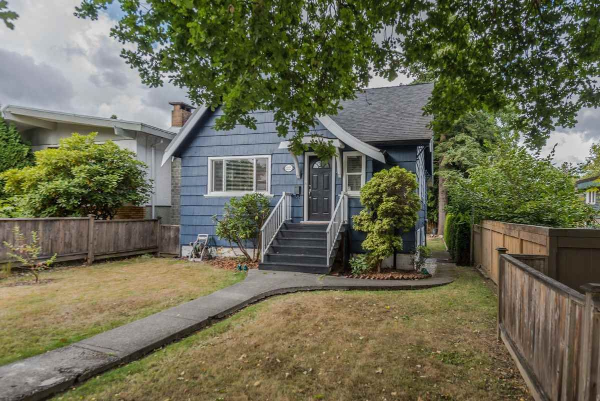 Photo 13: Photos: 2225 E 27TH AVENUE in Vancouver: Victoria VE House for sale (Vancouver East)  : MLS®# R2206387
