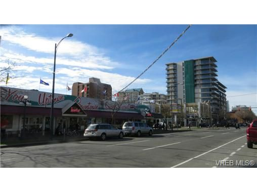 Main Photo: 908 845 Yates St in VICTORIA: Vi Downtown Condo for sale (Victoria)  : MLS®# 707798