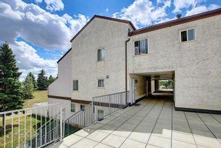 Photo 2: 139 LANCASTER Terrace in Edmonton: Zone 27 Townhouse for sale : MLS®# E4253109