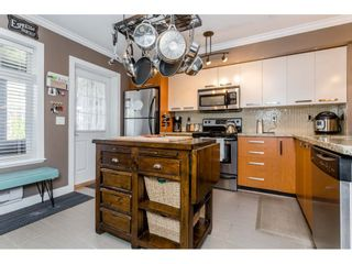 """Photo 5: 53 19448 68 Avenue in Surrey: Clayton Townhouse for sale in """"Nuovo"""" (Cloverdale)  : MLS®# R2260953"""