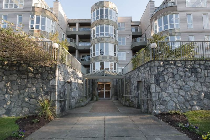 FEATURED LISTING: 205 - 2428 1ST Avenue West Vancouver