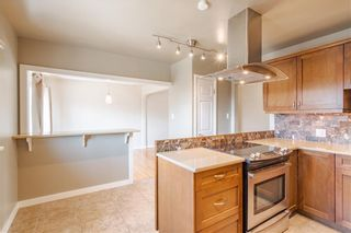 Photo 3: 37 CADOGAN Road NW in Calgary: Cambrian Heights Detached for sale : MLS®# C4294170