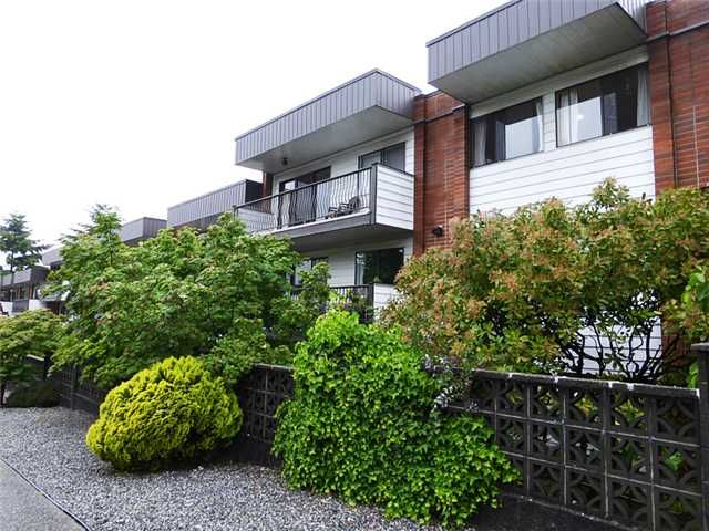 """Main Photo: 346 2033 TRIUMPH Street in Vancouver: Hastings Condo for sale in """"MACKENZIE HOUSE"""" (Vancouver East)  : MLS®# V1067691"""