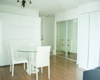 Photo 5: 1404 6622 SOUTHOAKS Crescent in Burnaby: Highgate Condo for sale (Burnaby South)  : MLS®# R2501422