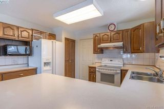 Photo 4: 3371 Mary Anne Cres in VICTORIA: Co Wishart South House for sale (Colwood)  : MLS®# 806532