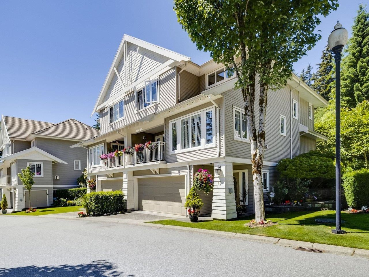 Main Photo: 49 3405 PLATEAU BOULEVARD in Coquitlam: Westwood Plateau Townhouse for sale : MLS®# R2610409