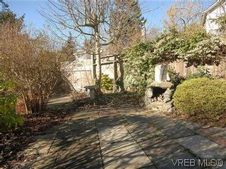 Photo 18: 669 Pine St in VICTORIA: VW Victoria West House for sale (Victoria West)  : MLS®# 560025