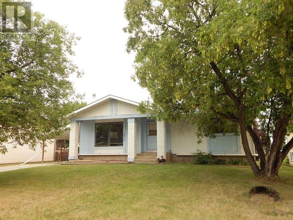 Main Photo: 10312 106 Avenue in High Level: House for sale : MLS®# A1130284
