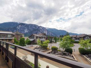 """Photo 4: 218 1211 VILLAGE GREEN Way in Squamish: Downtown SQ Condo for sale in """"Rockcliff"""" : MLS®# R2456399"""