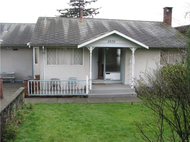 Main Photo: 1020 BALSAM Street: White Rock House for sale (South Surrey White Rock)  : MLS®# F1432452
