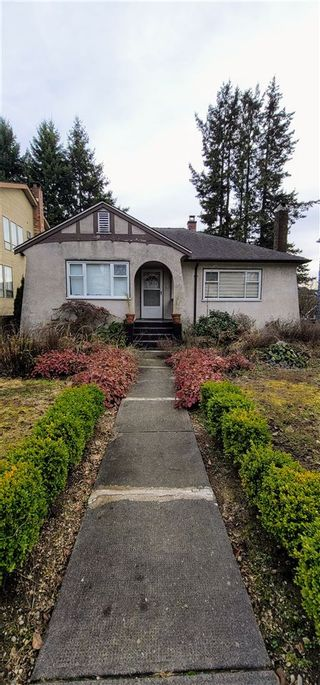 Photo 2: 1468 W 57TH Avenue in Vancouver: South Granville House for sale (Vancouver West)  : MLS®# R2534355