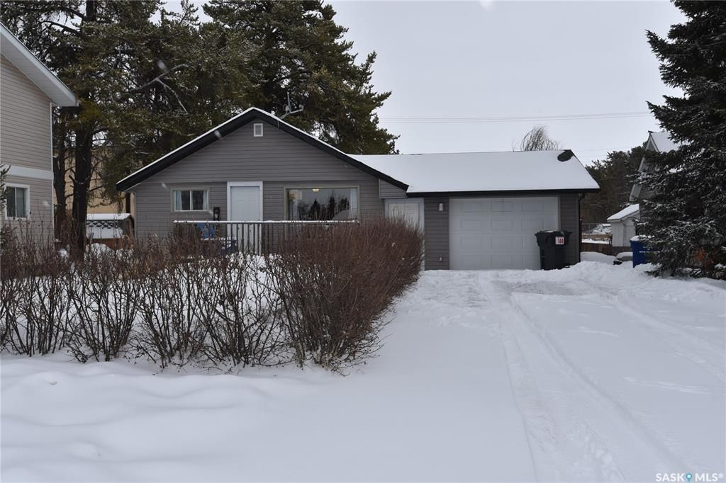 Main Photo: 221 6th Street North in Nipawin: Residential for sale : MLS®# SK846827