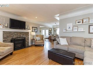 Photo 4: 507 Whiteside St in VICTORIA: SW Tillicum House for sale (Saanich West)  : MLS®# 758744