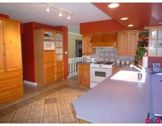 Photo 2: 19707 46TH AV in Langley: House for sale : MLS®# F2906022