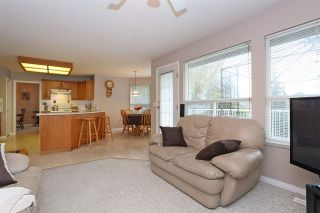 Photo 5: 16930 58A Avenue in Surrey: Cloverdale BC House for sale (Cloverdale)  : MLS®# R2117590