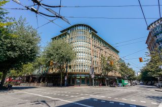 """Photo 1: 502 1 E CORDOVA Street in Vancouver: Downtown VE Condo for sale in """"CARRALL STATION"""" (Vancouver East)  : MLS®# R2598724"""