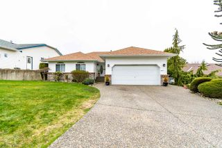 """Photo 1: 5411 ALPINE Crescent in Chilliwack: Promontory House for sale in """"PROMONTORY"""" (Sardis)  : MLS®# R2562813"""