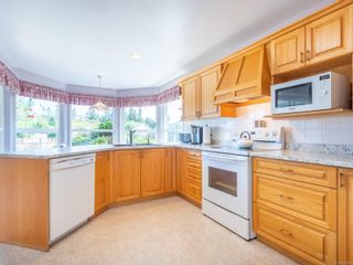Photo 10: 810 Arrowsmith Way in : PQ French Creek House for sale (Parksville/Qualicum)  : MLS®# 884859