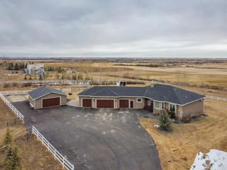 Photo 1: 274116 64 Street E: Rural Foothills County Detached for sale : MLS®# A1085796