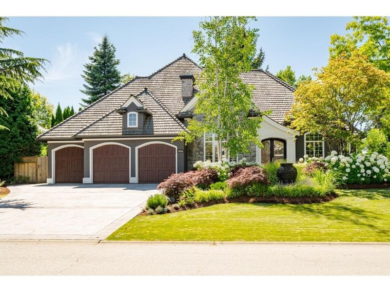 FEATURED LISTING: 3415 CANTERBURY Drive Surrey
