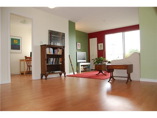 Main Photo: 309 1099 E BROADWAY in Vancouver: Mount Pleasant VE Condo for sale (Vancouver East)  : MLS®# V827884