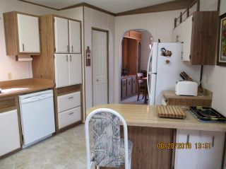 """Photo 9: 57 2305 200 Street in Langley: Brookswood Langley Manufactured Home for sale in """"CEDAR LANE"""" : MLS®# R2357125"""