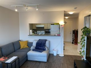 """Photo 2: 1708 3663 CROWLEY Drive in Vancouver: Collingwood VE Condo for sale in """"LATITUDE"""" (Vancouver East)  : MLS®# R2535378"""