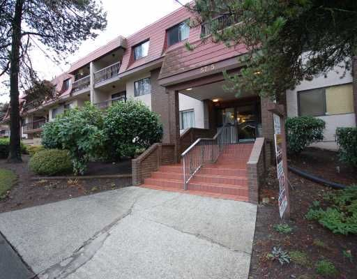 """Main Photo: 202 5715 JERSEY Avenue in Burnaby: Central Park BS Condo for sale in """"CAMERAY GARDENS"""" (Burnaby South)  : MLS®# V744661"""