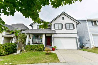 Photo 2: 17905 70 AVENUE in Surrey: Cloverdale BC House for sale (Cloverdale)  : MLS®# R2486299
