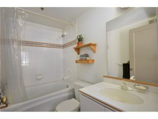 """Photo 6: 404 27 ALEXANDER Street in Vancouver: Downtown VE Condo for sale in """"THE ALEXIS AND ALEXANDER"""" (Vancouver East)  : MLS®# V955790"""